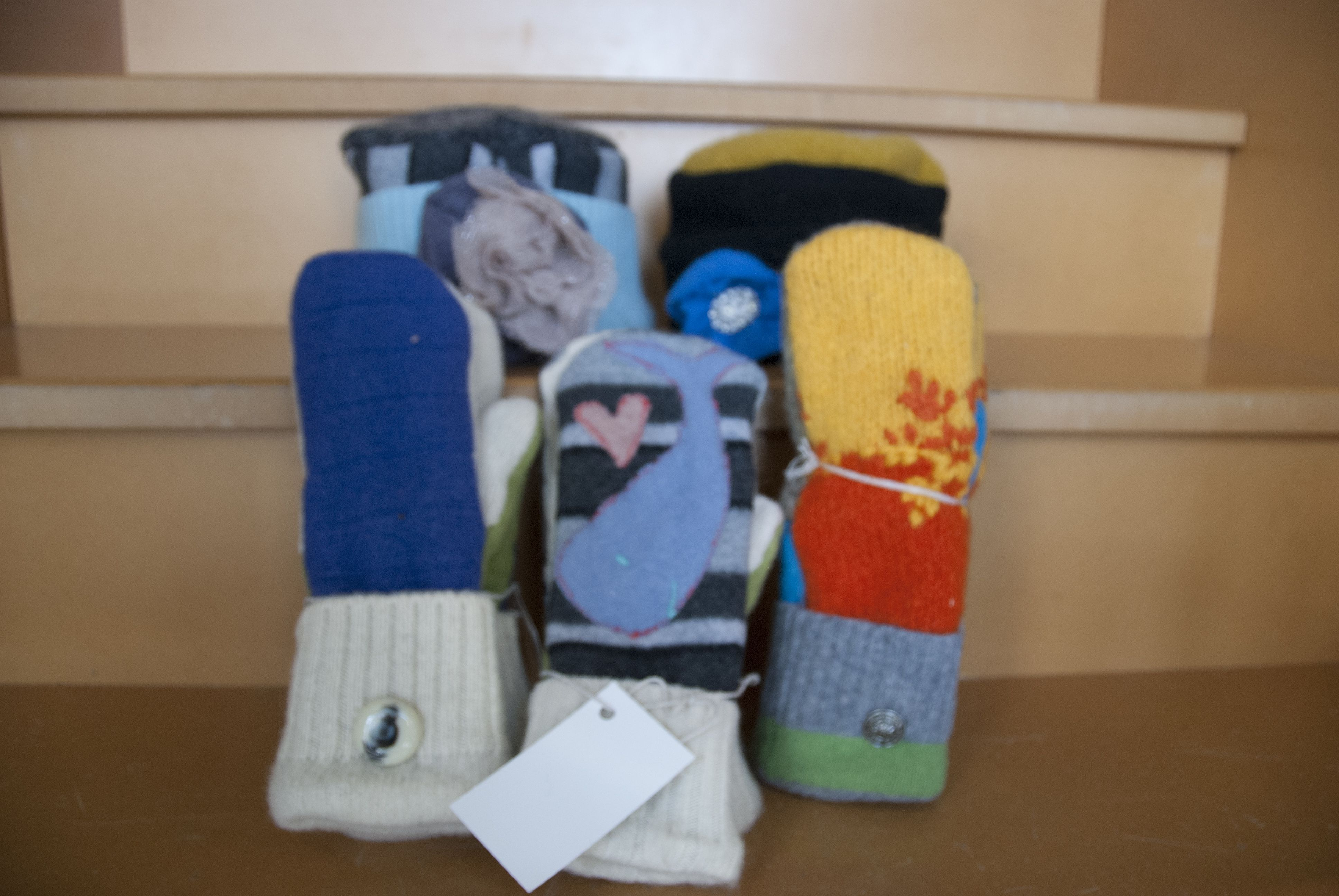 Laura Paulette Altoona Iowa Handmade Fleece Hats Mittens And Slippers Sold At Green Goods For The Home Fleece Hats Sweater Mittens Recycled Sweater
