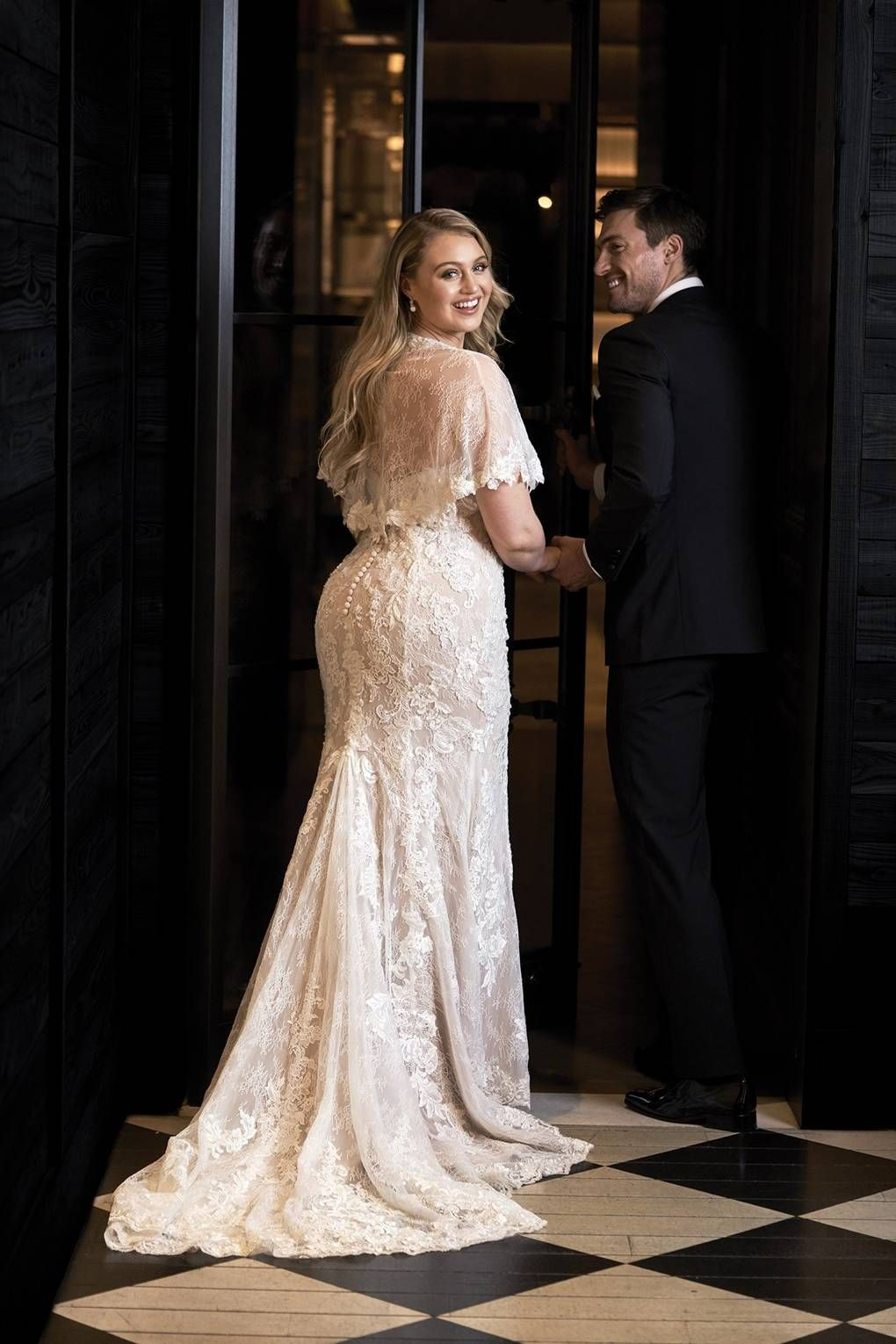 Wedding dresses for girls with curves our wedding pinterest