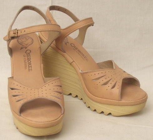 70s Vintage CHEROKEE Wedge SANDALS 6 by FreestyleCollection