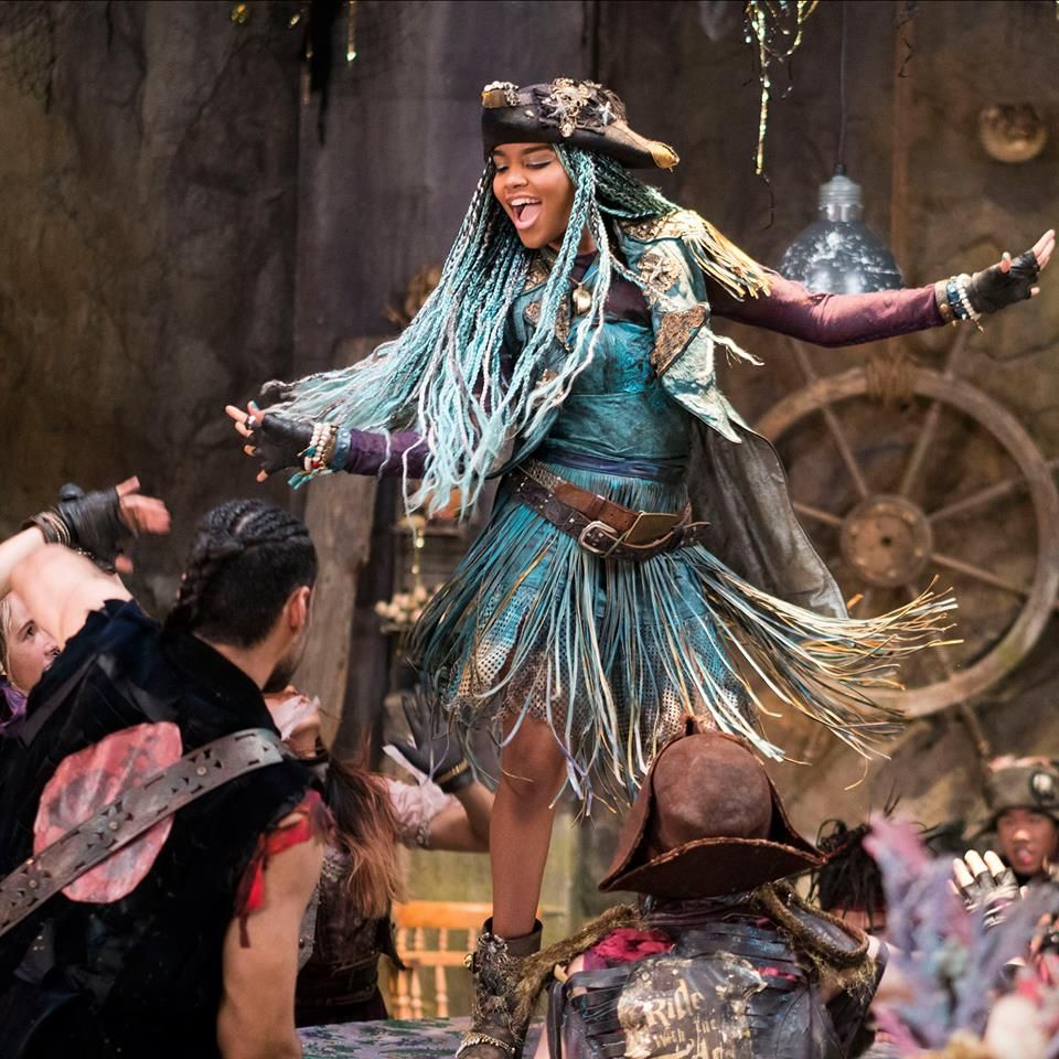 China Anne MicClain as Uma in #Descendants2 #DisneyChannel ...
