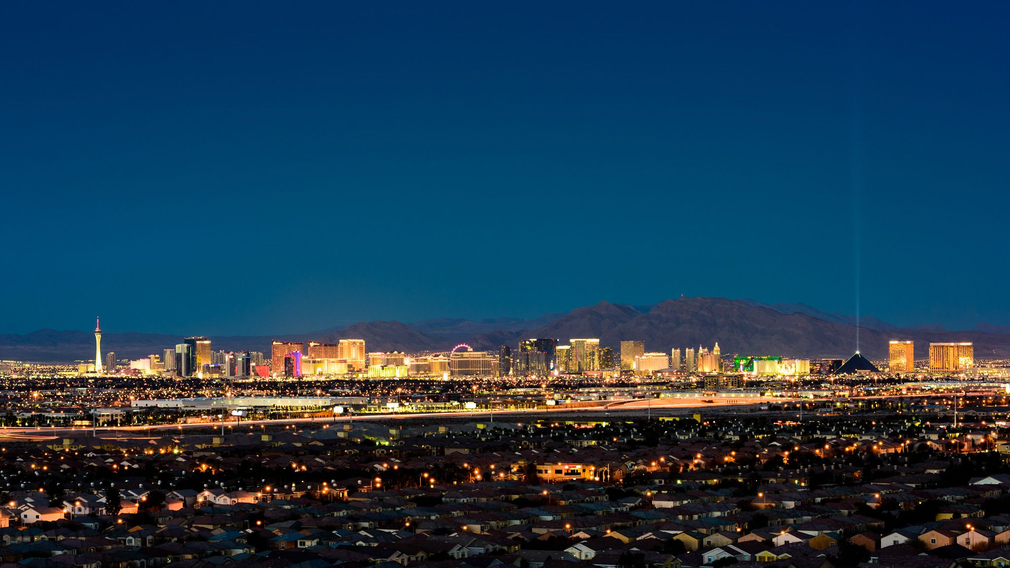 Daily Flights To Las Vegas From New Bedford With No Stops Direct And Return Available Too