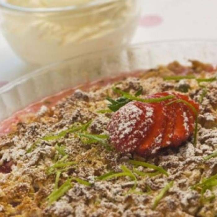 lyxig rabarberpaj med mandelmassa
