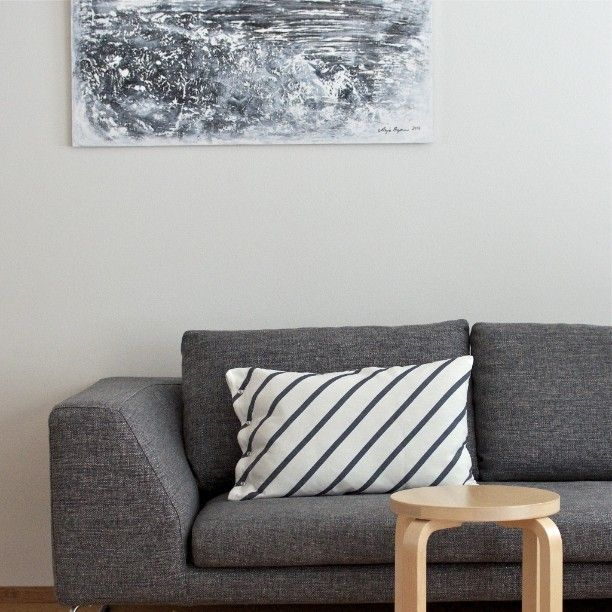 Sohvatyyny päivitetty! #interior #livingroom #sisustus #marimekko #mint #art #artwork #arjabymanart #artek #stool60