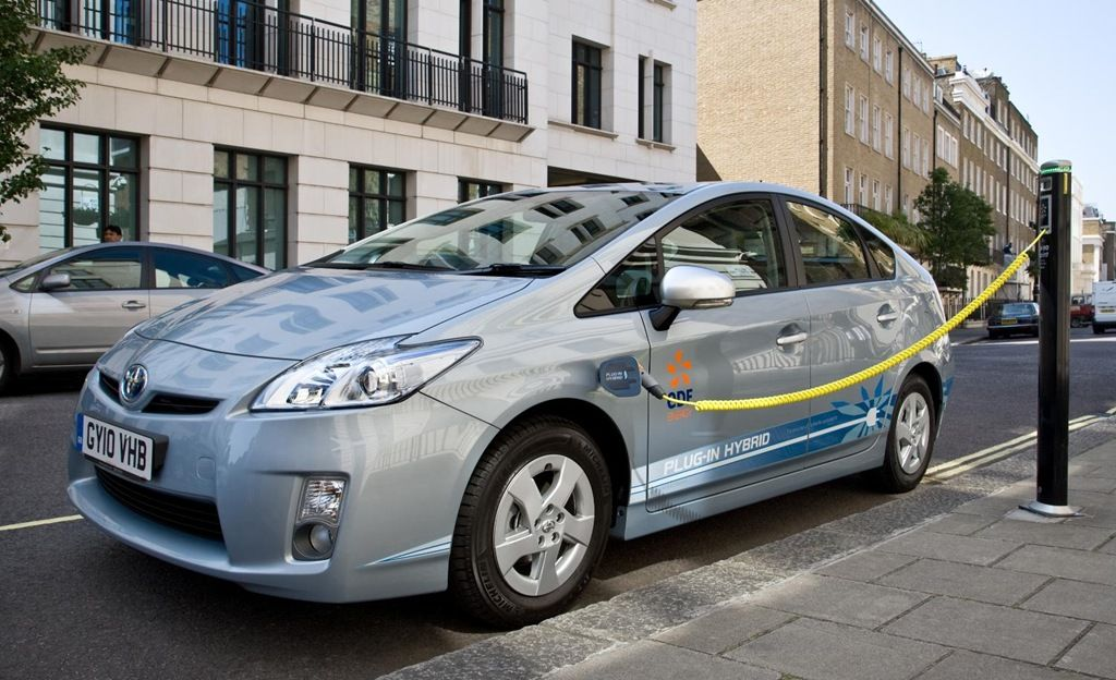 Electric Cars So Disruptive, Gas Cars Will Be Obsolete In 2016