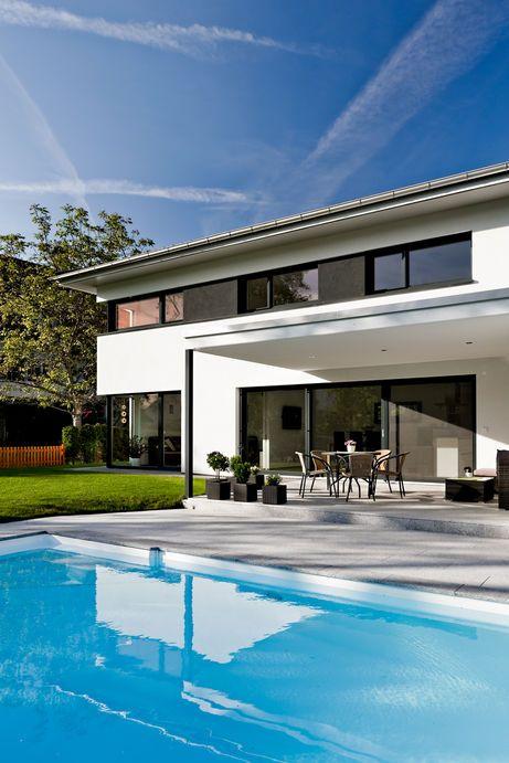 Einfamilienhaus satteins massivbau pool modernes einfamlienhaus design haus mit pool