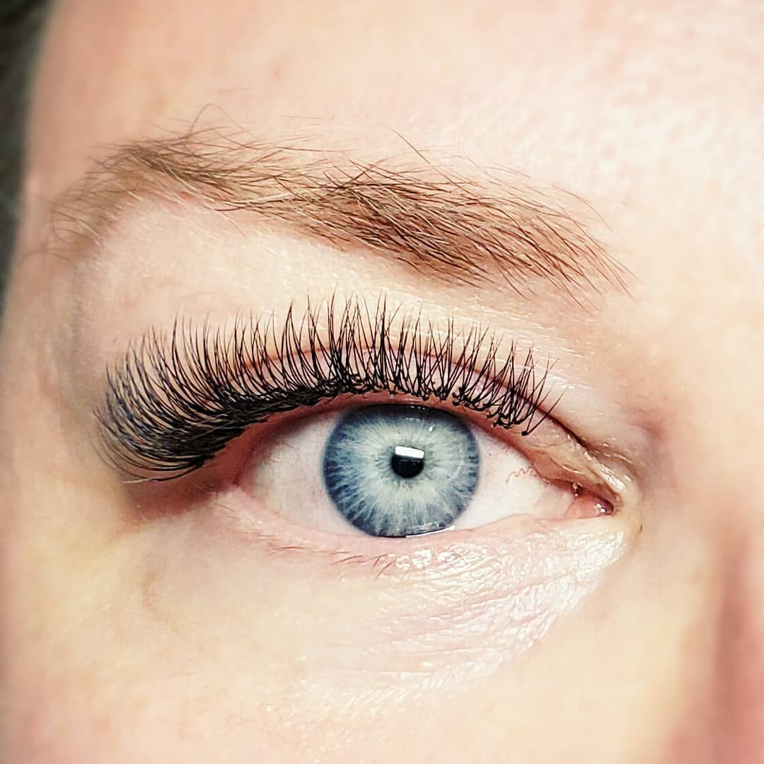 🖤 2D Volume Eyelash Extensions with Premium Materials 🖤  #classiceyelashextensions #volumelashes #vo...