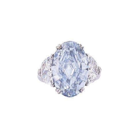 19 Show Stopping Engagement Rings Welcome To The 10 Carat Plus Club Gorgeous Engagement Ring Blue Diamond Ring Engagement Rings