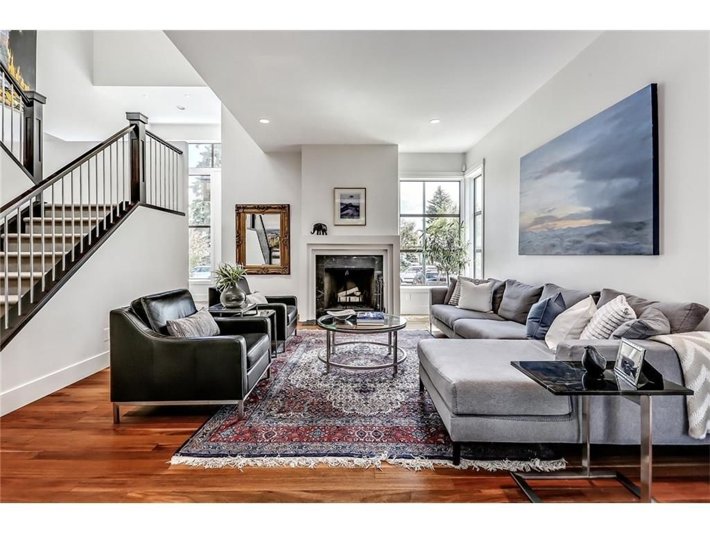Best Love This Open Living Room Those Sofas Are So Beautiful 400 x 300