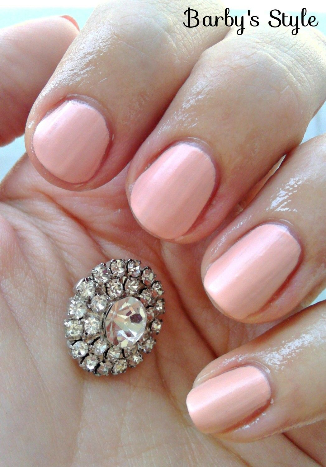I Am In Love With Perfect Matte Babypink Manicure 3 Nails Beige Gorgeous Nail Diamond