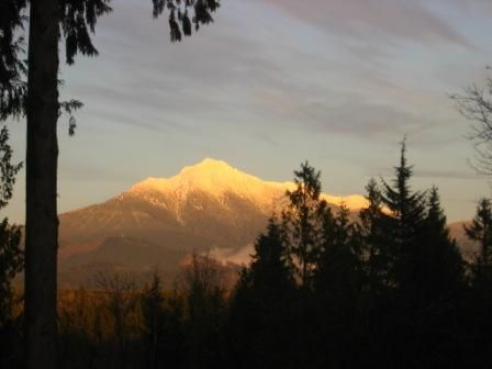 Snow Covered Mt. Pilchuck | Outdoor wedding venues ...