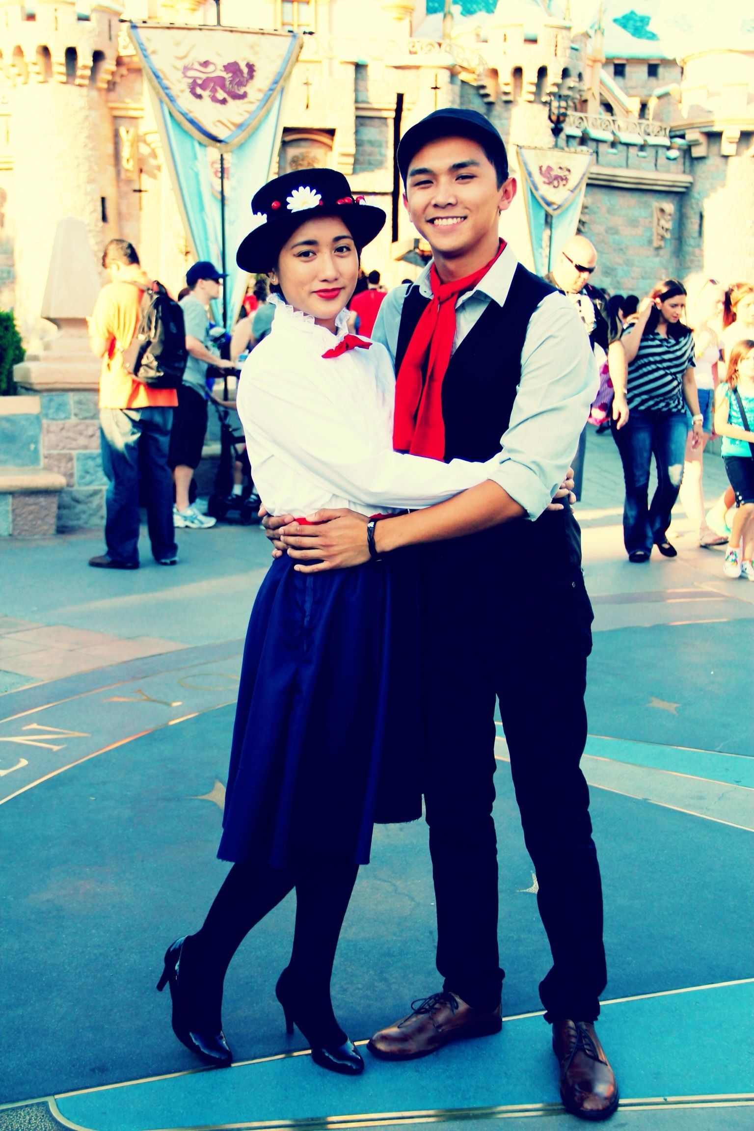 Costumes. DIY. Mary Poppins and Bert. Disney. Couple