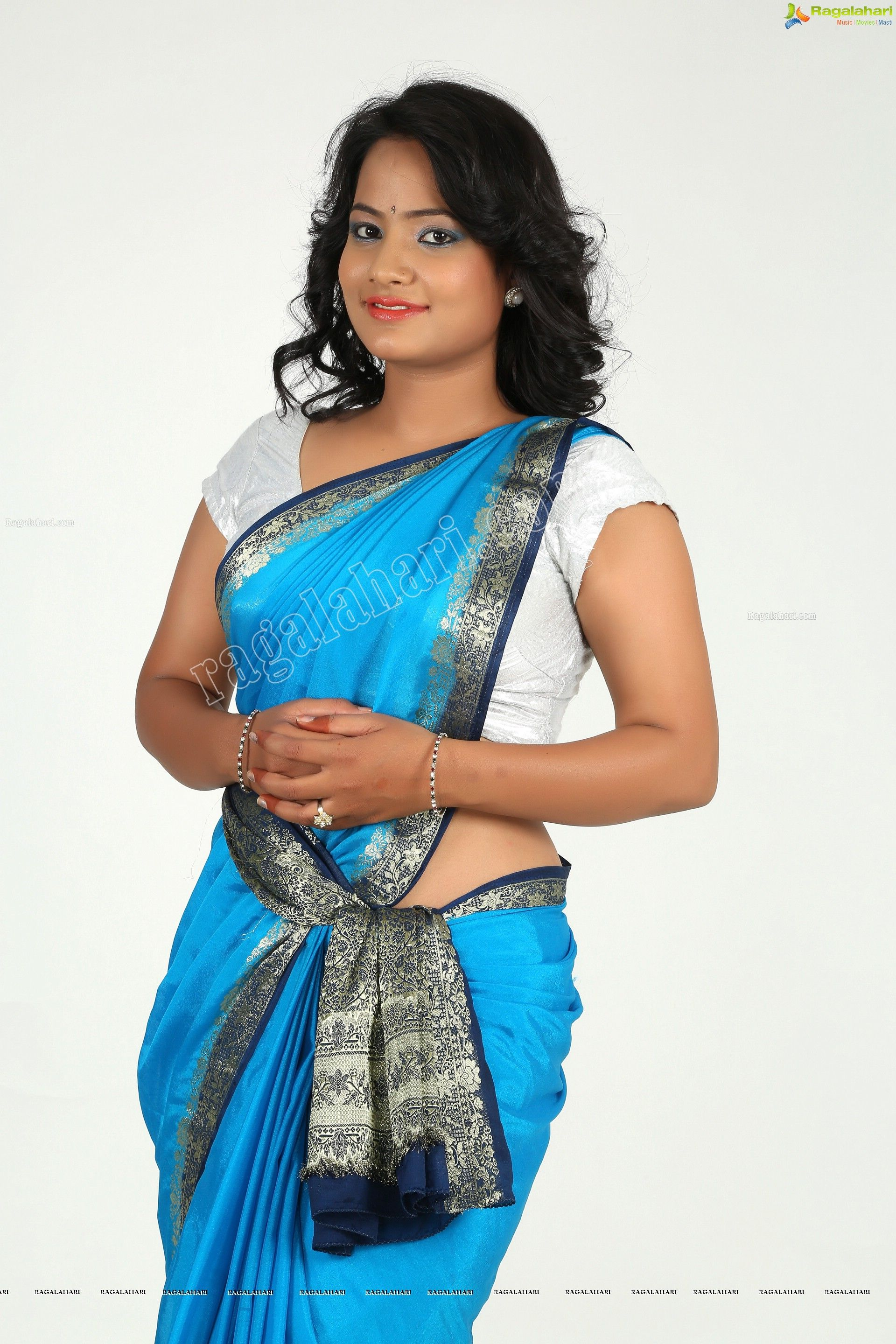 saritha sharma glam stills - saritha sharma in blue saree - saritha