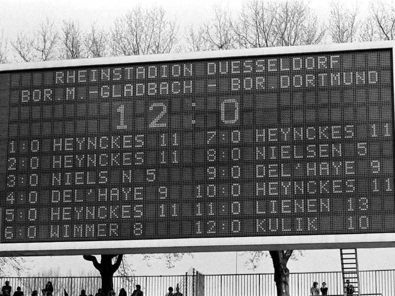 Gladbach Dortmund 12:0