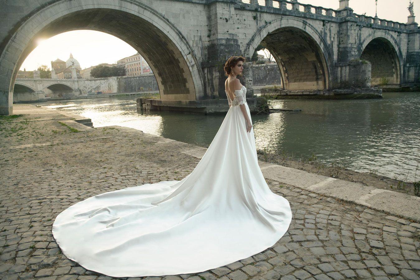 Off the shoulder wedding dress by Julie Vino wedding dresses 2017 | I take you #weddingdress #weddinggown