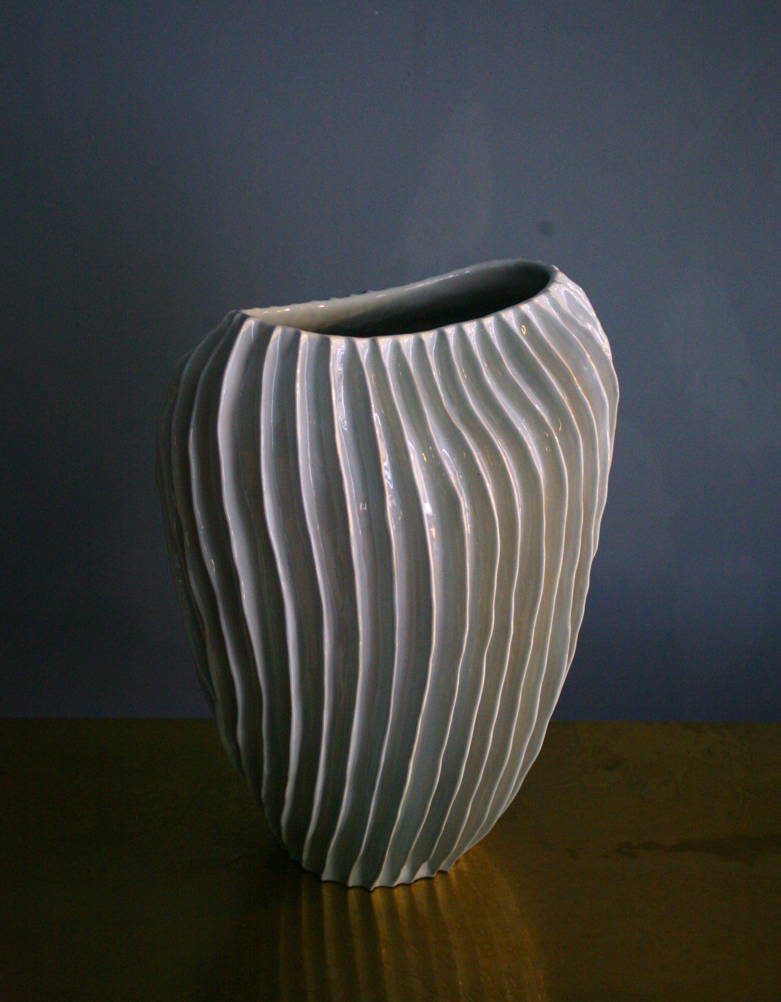 Pin by mattia frignani on ceramic vases by claudia frignani contemporary ceramics reviewsmspy
