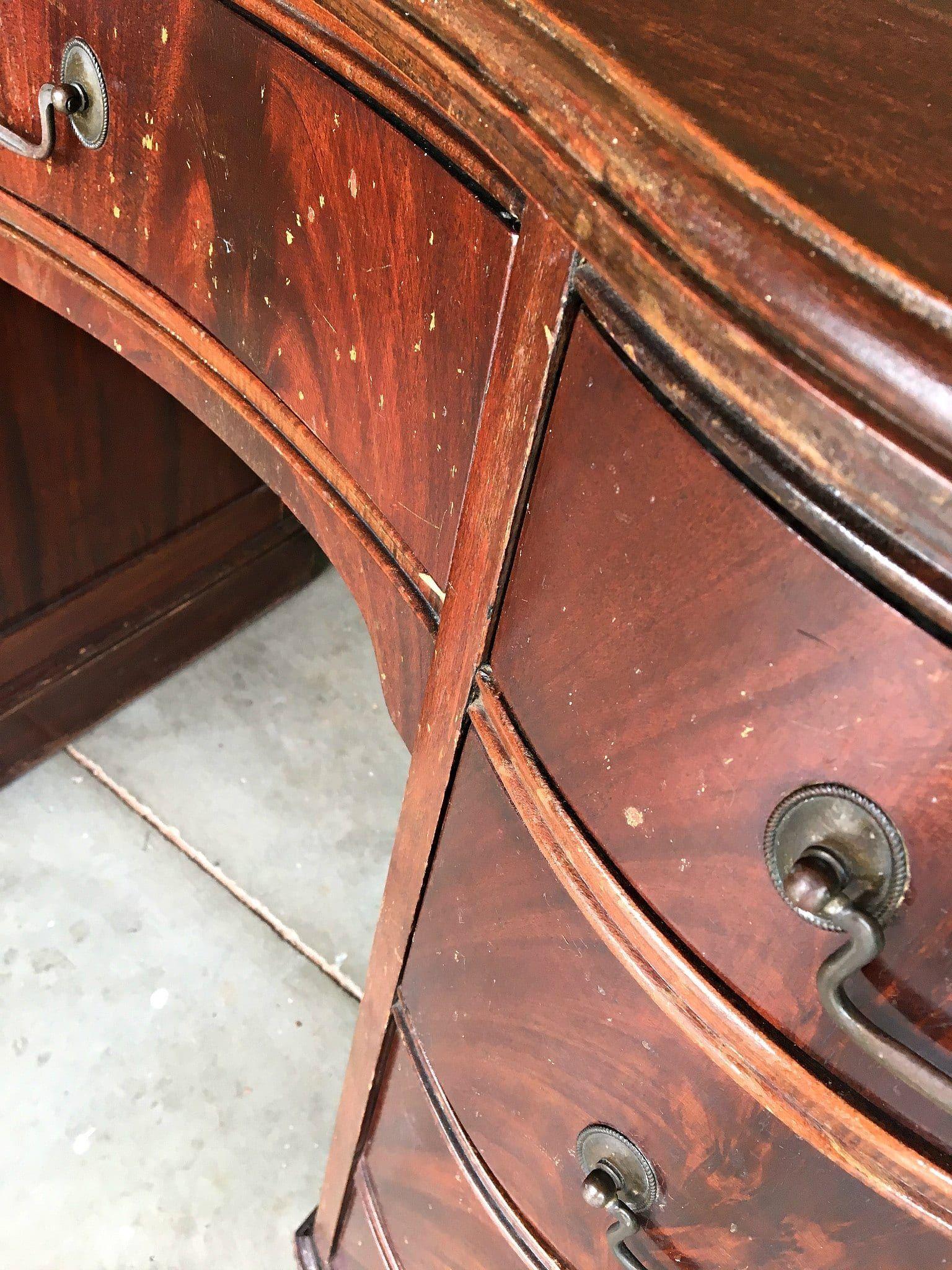 Antique Kidney Desk Makeover - antique decor - #antique #antiquedecor #antiquedesk #antiquetoys #decor #Desk #jewelry #jewelryaccessories #Kidney #Makeover #modernantiquedecor #silver