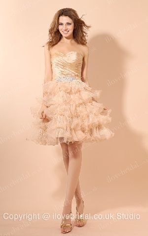 Fascinating Puffed Sweetheart Tiered Ball Gown Prom Dress With