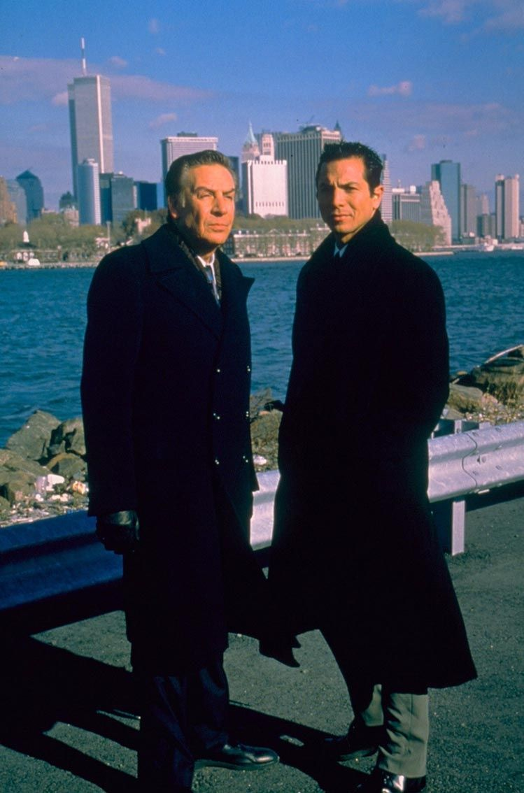 Benjamin Bratt Jerry Orbach Detectives Rey Curtis Lenny Briscoe Law And Order Law And Order Svu Actors