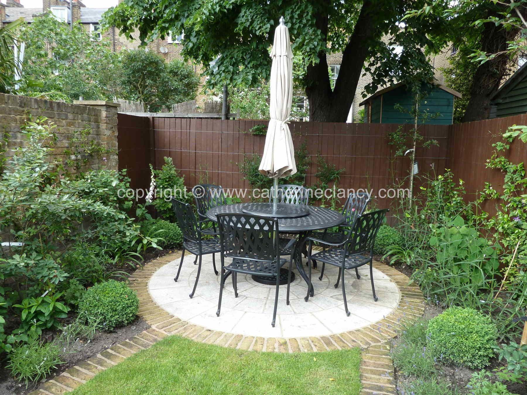 victorian-north-facing-garden-8  Small north facing garden ideas