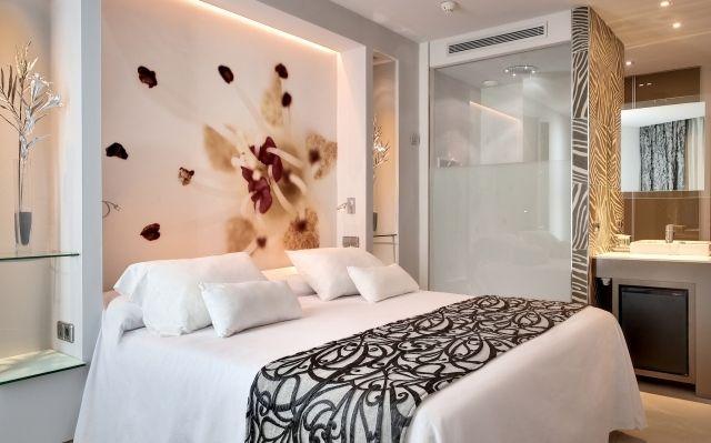 Hervorragend Kleines Schlafzimmer Weiß Beige Fototapete Blume Indirekte Beleuchtung