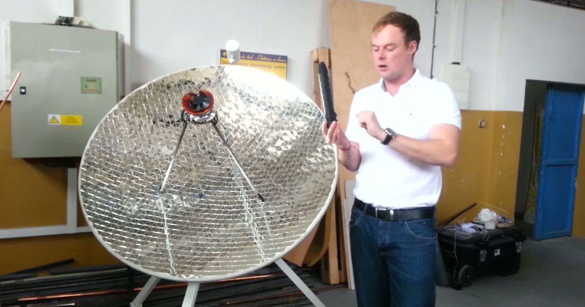 Daniel Šlosár vynašiel špeciálne zariadenie, ktoré dokáže vyrábať elektrinu využitím nielen slnečného, ale aj tepelného žiarenia.
