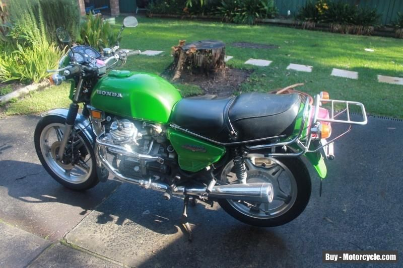 Honda 1978 Cx500 Motorbike With Enough Spares For Another Bike