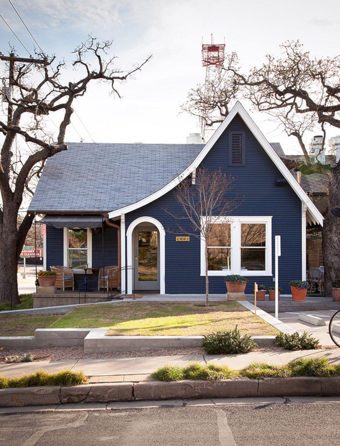 Navy Blue With White Trim House Exterior Navy Blue With White Trim House Exterior Design Ideas And Photos Cottage Exterior Colors House Exterior Blue House Paint Exterior