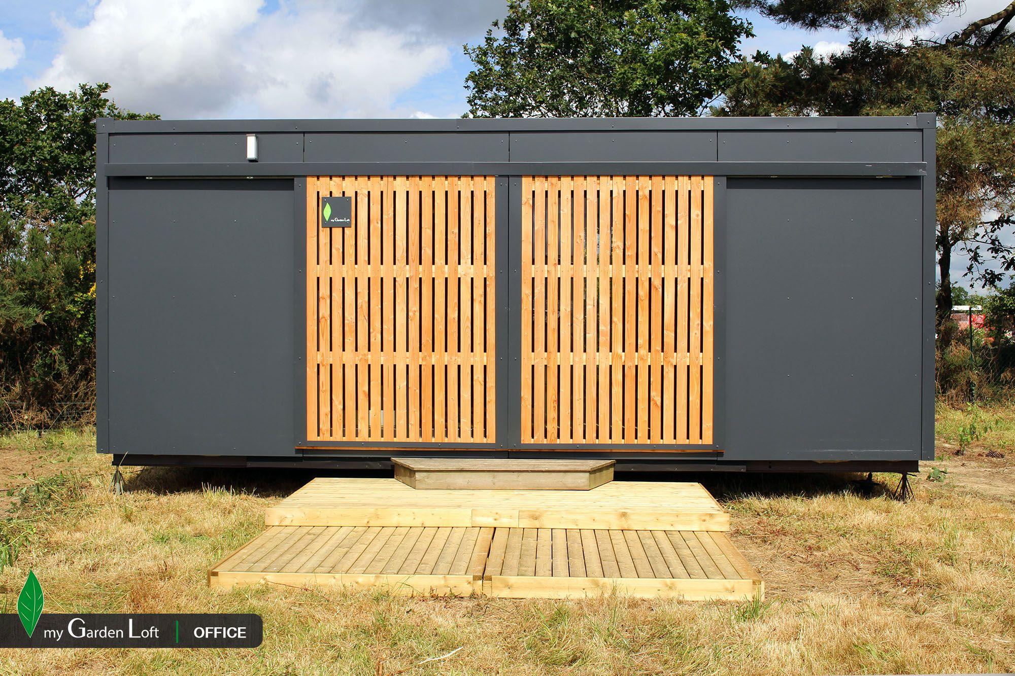 vue ext rieur volets ferm s studio de jardin bureau de. Black Bedroom Furniture Sets. Home Design Ideas