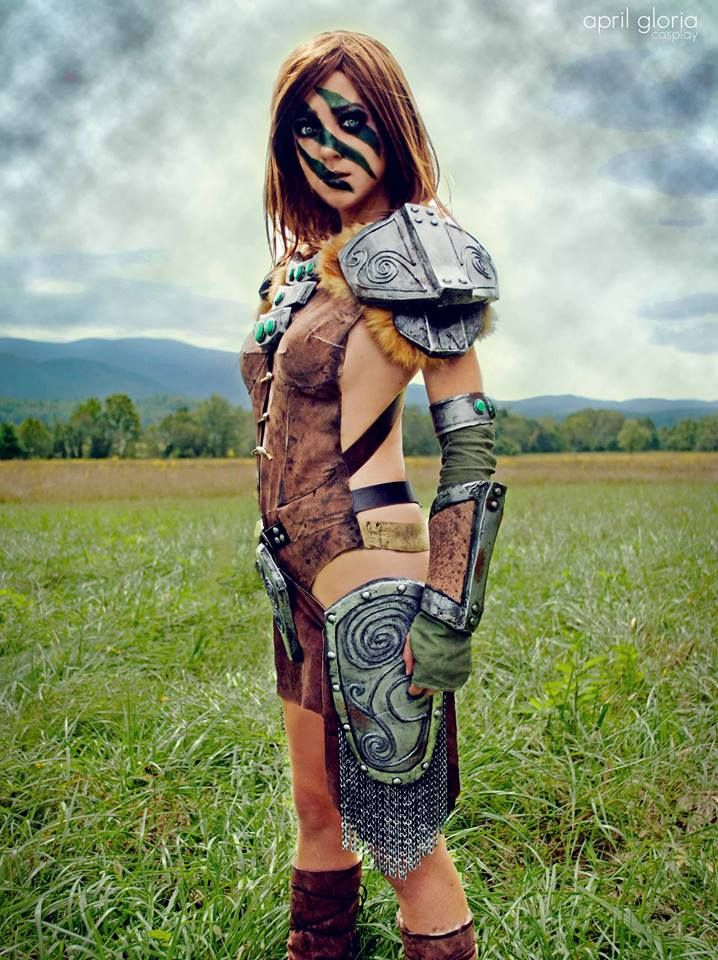 Power beauty and skill aela the huntress cosplay