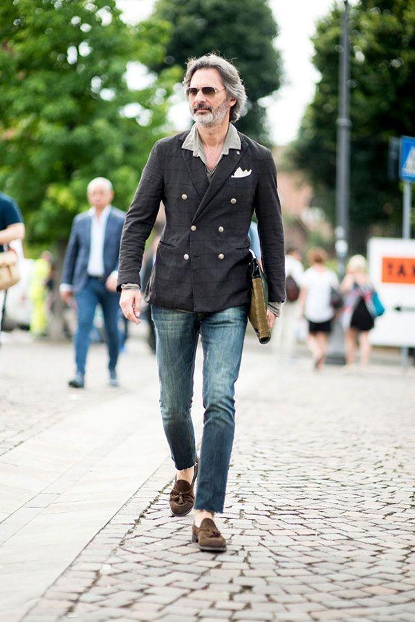 グレーウィンドペンダブルジャケット×ライトグレーシャツ×デニムパンツ×ブラウンスエードタッセルローファー | メンズファッションスナップ フリーク | 着こなしNo:150206 | メンズファッション, メンズファッションスタイル, ファッションスナップ