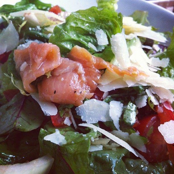 Smoked salmon salad at Obolo Galeria! <3