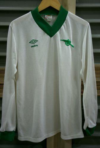 73b5aaeb660 Pin by Yuan Xin on football | Football shirts, Vintage shirts, Shirts