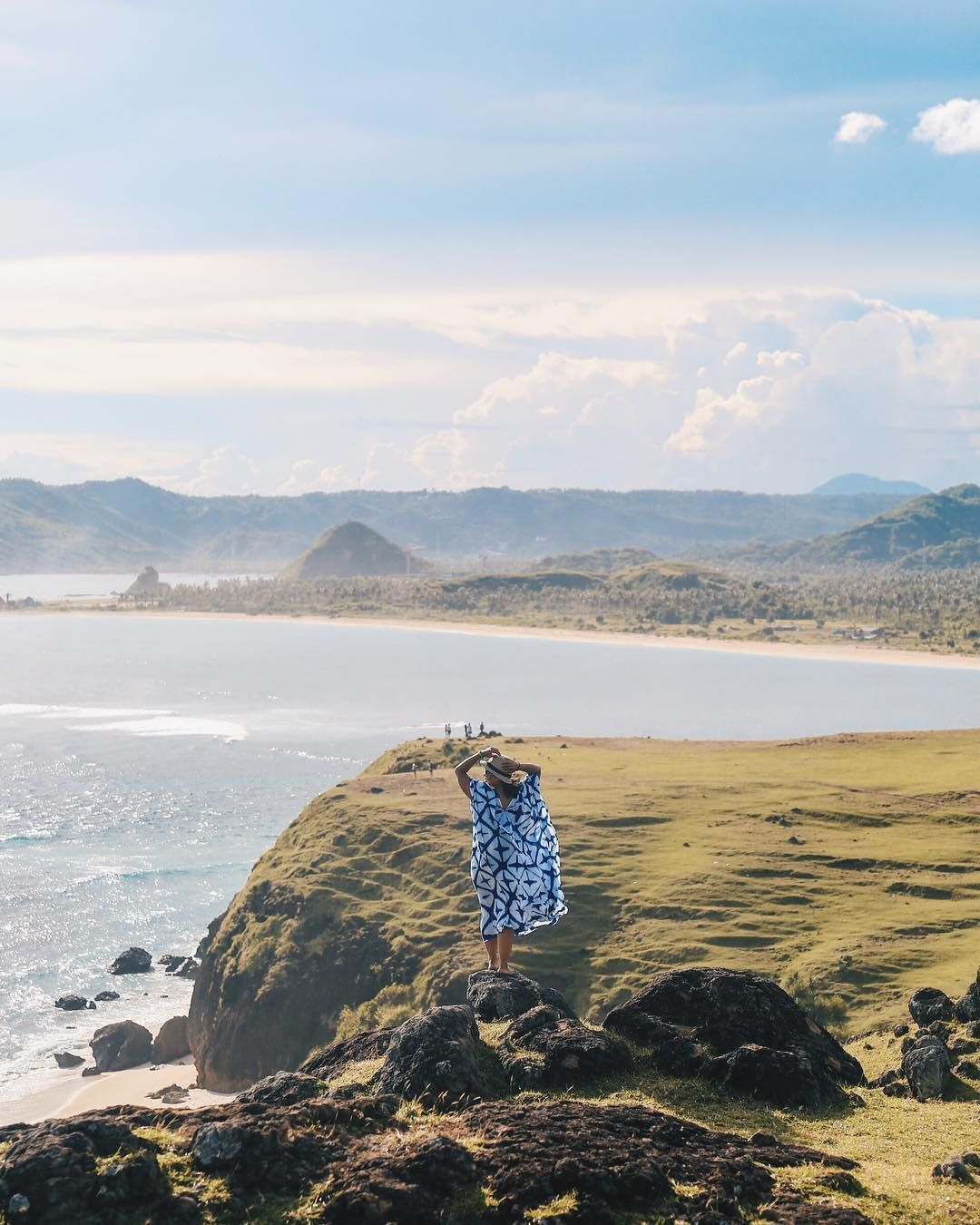 I really love places that make you realise how tiny and your problems are. : Bukit meresse #lombok  I really love places that make you realise how tiny and your problems are. : Bukit meresse #lombok . . . . . #surfers #surf #surfing #surfer #waves #surfinglife #beach #surfboard #ocean #surflife #surfphotography #sea #surfline #surftrip #surfgirl #travel #surfersparadise #wave #nature #photography #vscocam #surfboards #beachlife #longboard #surfstyle #explorelombok #sunset #pesonaindonesia #bhfyp