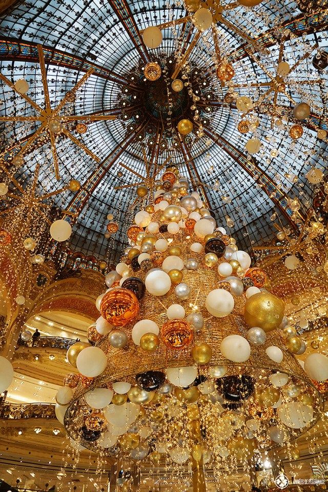 20 absolutely amazing things to do in Paris Christmas tree