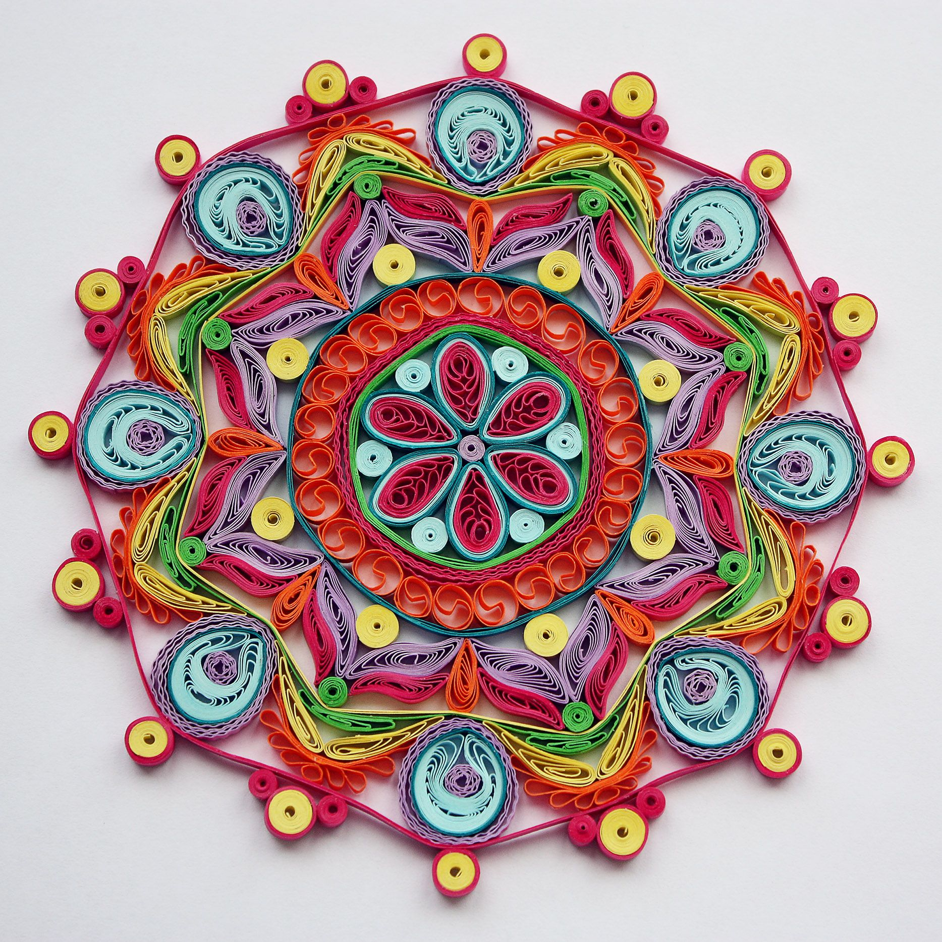 Mandala quilling pinterest quilling for Quilling paper craft ideas