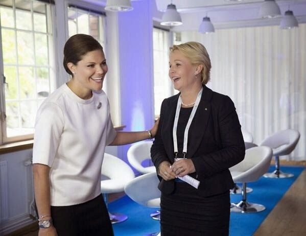 Wednesday, Princess Victoria attended the opening of the forum on migration and development in the company of Ban Ki Moon, Secretary General of the UN and the Swedish Prime Minister. The conference was held in Stockholm.