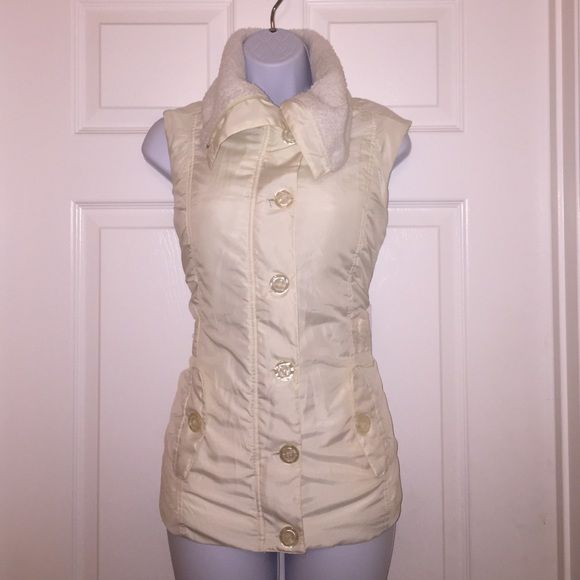 NWT cream vest  with faux shearling lining Washable stylish vest great layer to almost anything Mifresia Jackets & Coats Vests