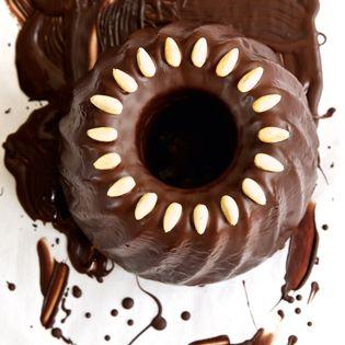 Rezept von Susanne Zimmel: Omas Schokolade-Nuss-Gugelhupf