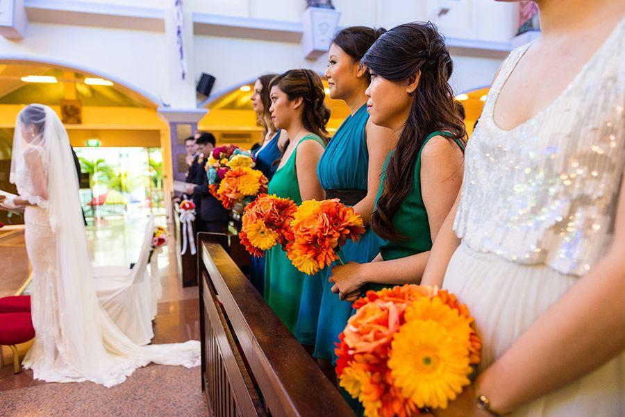 A vibrant outdoor Singapore wedding at Marina
