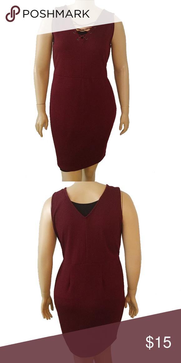 Jessica Simpson Womens Lace Shift Dress with Horseshoe Neckline