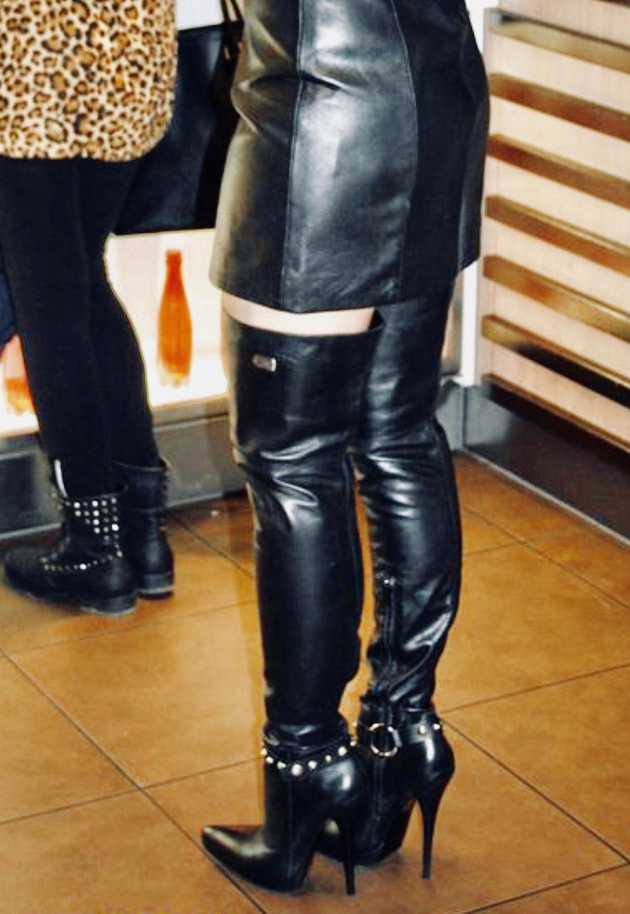 Pin van Boot man op Boots in 2020 | Hoge laarzen, Laarzen