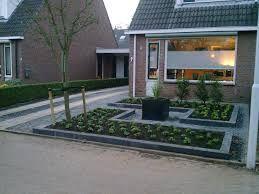 Afbeeldingsresultaat voor voorbeelden voortuin bestrating tuin