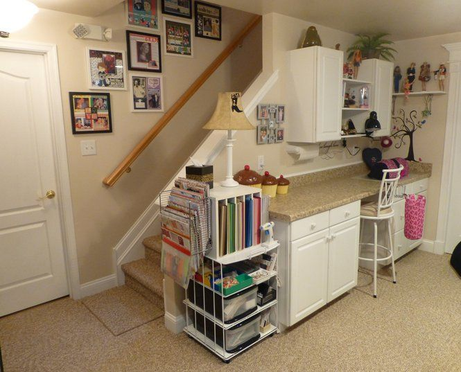 Scrapbook room from scrapbook.com...Like the use of the small ...