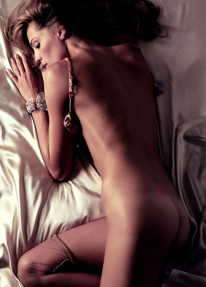 Vogue Paris 2011 Calendar: Daria Werbowy by Mikael Jansson #editorial #boudoir