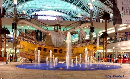 Panoramio Photo Of Boat At Red Sea Mall Jeddah Jeddah Beautiful Places To Travel Jeddah Saudi Arabia