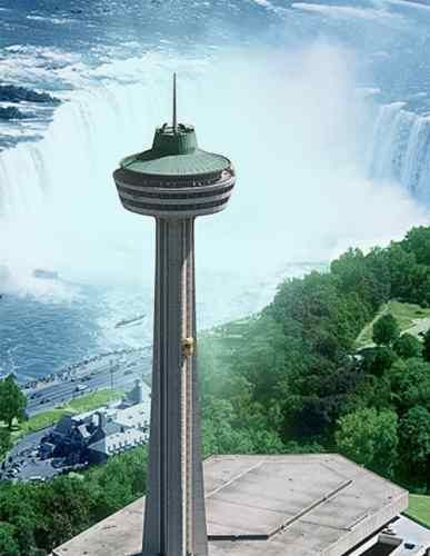 dine with beautiful views of the magnificent niagara falls in town