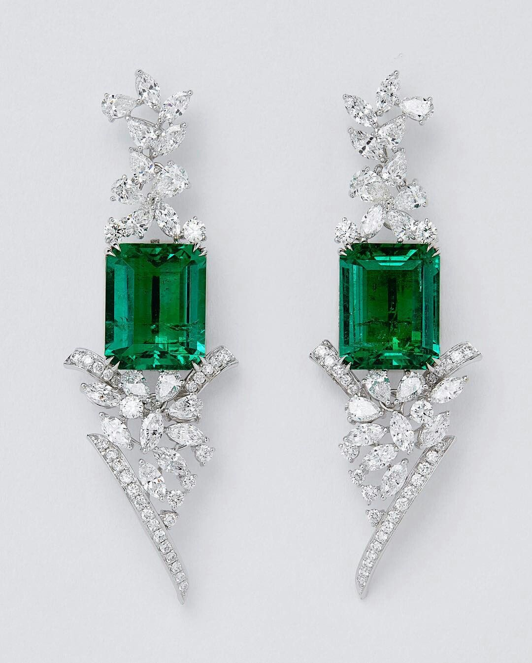 b49d7080d90e4 Important #colombianemerald and #diamond #earrings from our ...