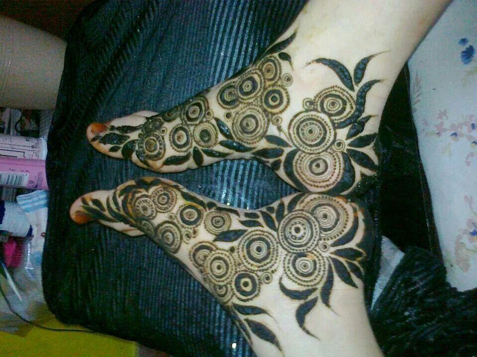 Emirati Mehndi Foot Henna Mehndi Designs Feet Mehndi Designs For Fingers