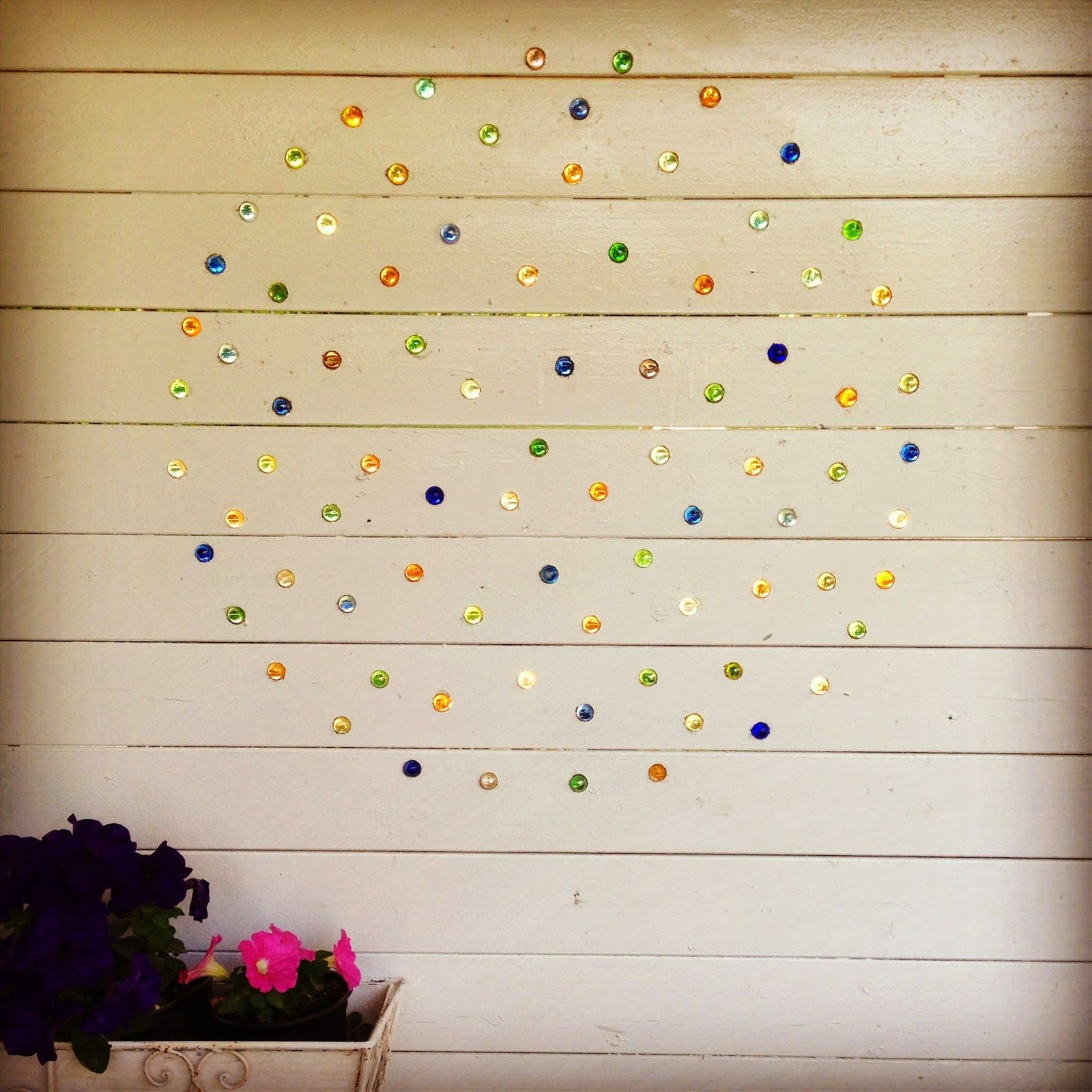 Marbles on the wall :) http://greengrowgreen.blogspot.no/