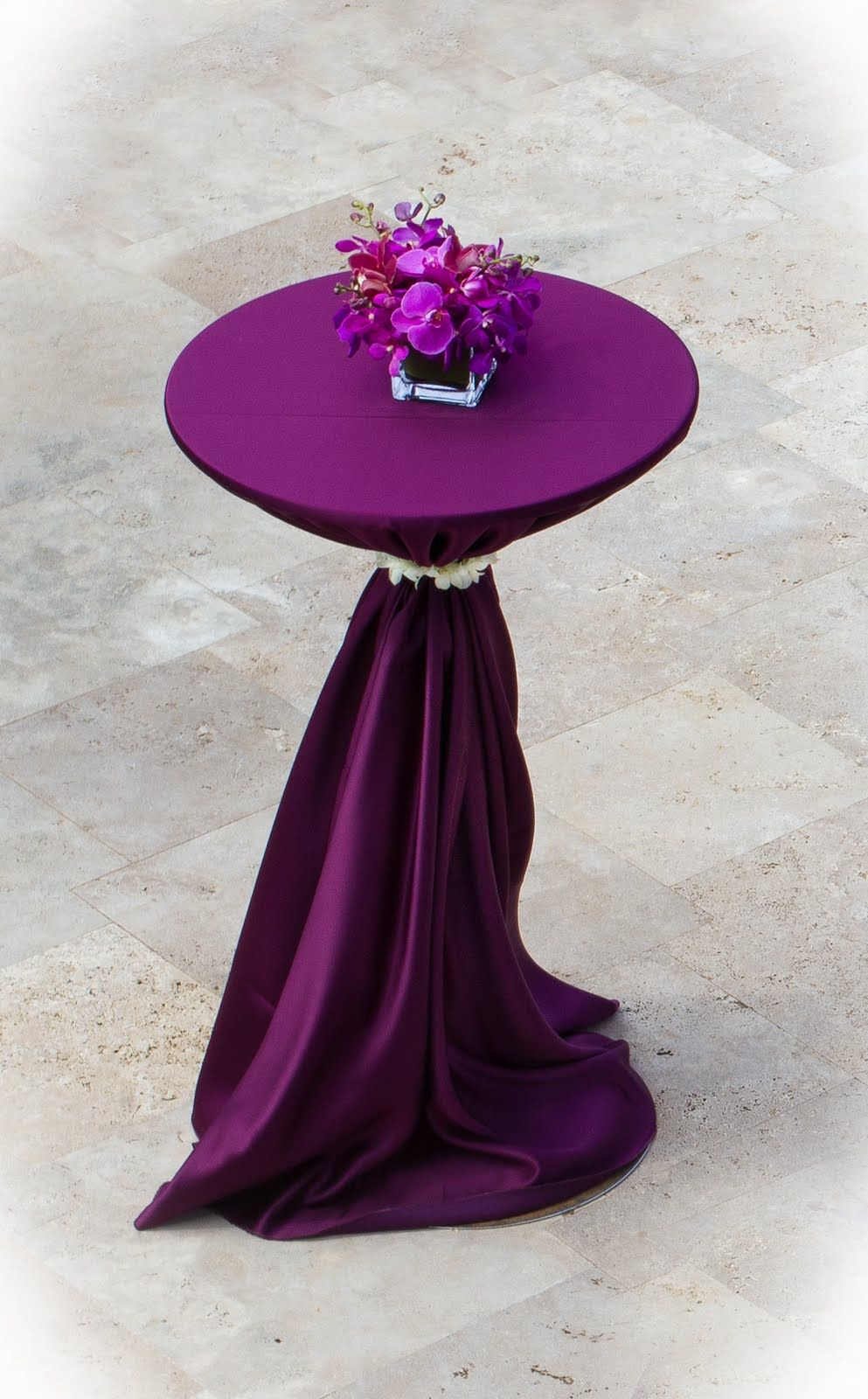 Cocktail table violet bengaline linen wedding trends for Cocktail table ideas